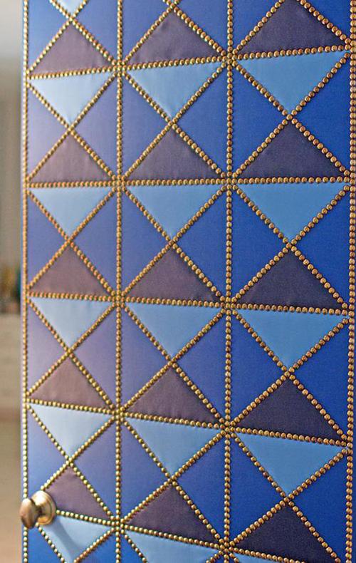 close-up-of-diamond-door
